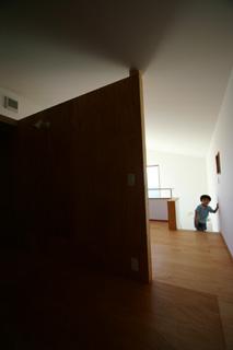樋口邸 2階から吹き抜け we.jpg
