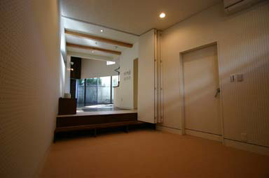ekoda-sato-living-from-ress.jpg